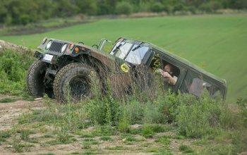 Řízení Hummeru H1 a vojenského HUMVEE +…