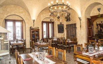 Romantická večeře v zámecké krčmě