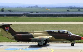Zážitkový let stíhačkou L-29 Delfín