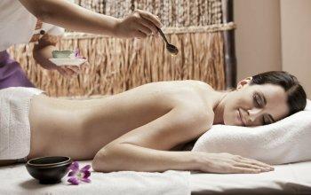 Relaxační thajská masáž konopným olejem Praha