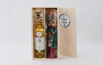 Dárkové balení vína: 1 láhev + dobroty